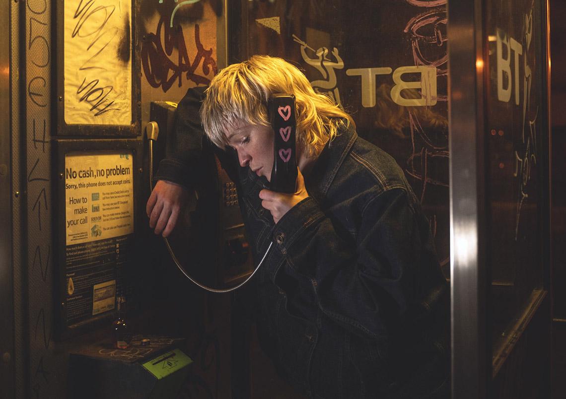 Billy Nomates – Emergency Telephone