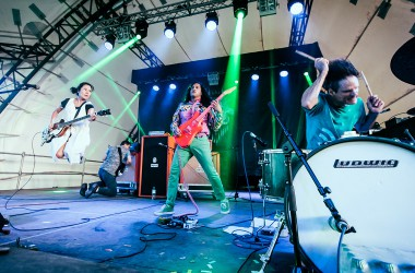 Deerhoof – Plastic Thrills