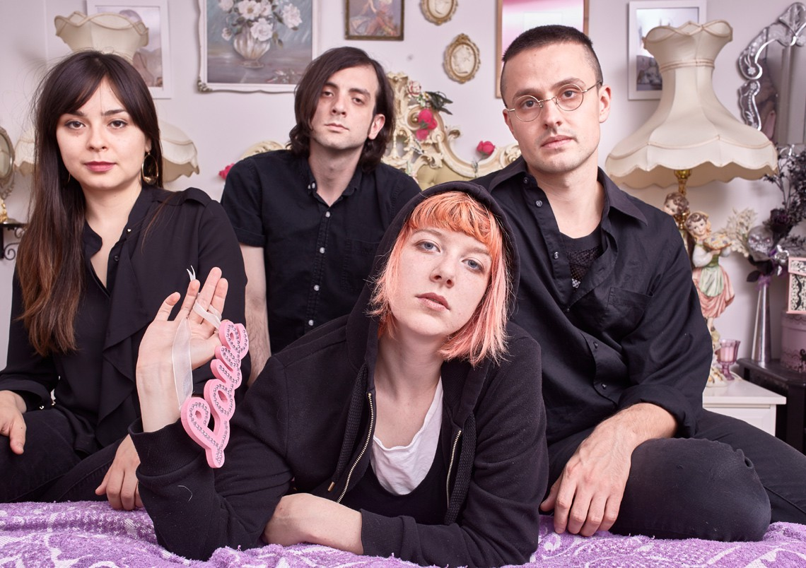 Dilly Dally – Sore