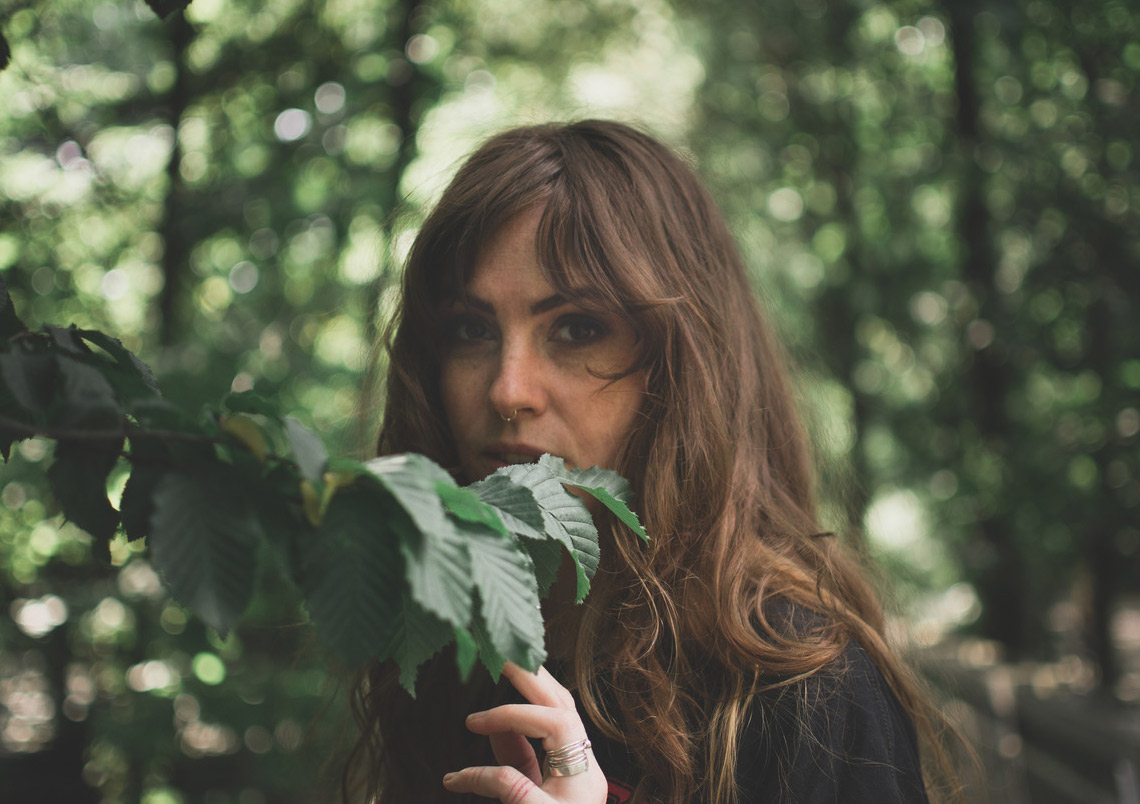 Emma Ruth Rundle – On Dark Horses