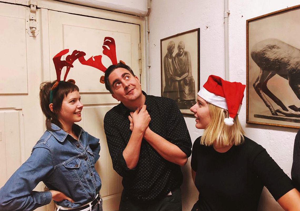 Gurr feat. Eddie Argos – Christmas Business