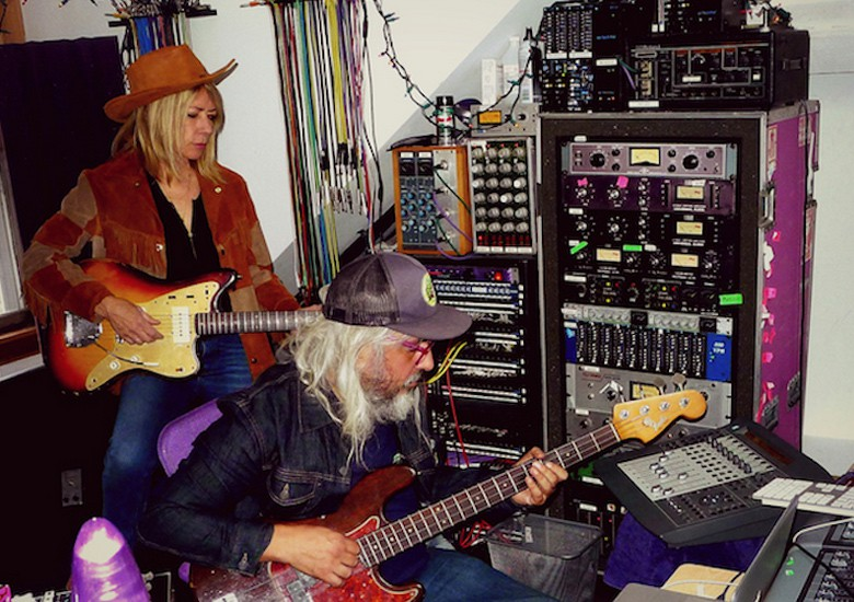 J Mascis x Kim Gordon – Slow Boy