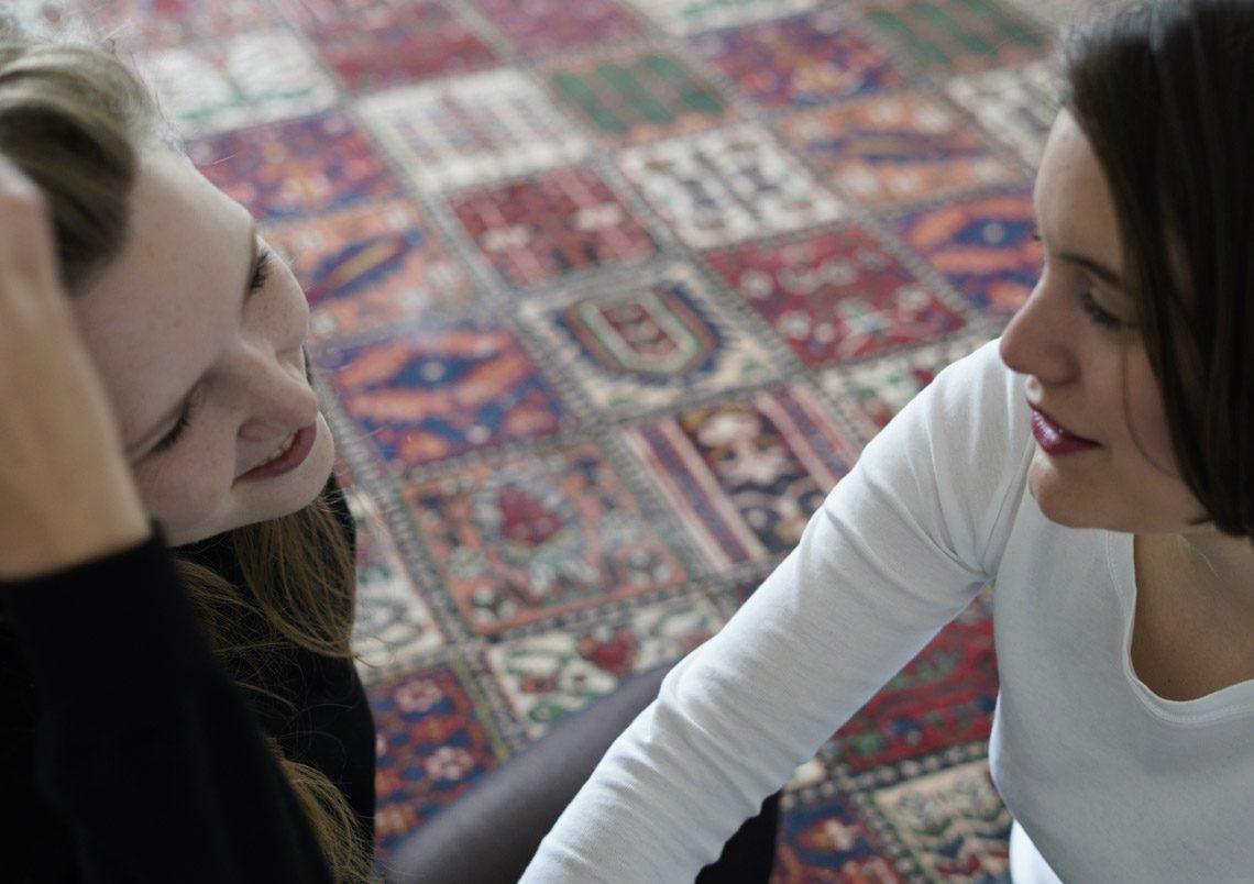 Stella Sommer & Sophia Kennedy – Man weiß es nicht genau