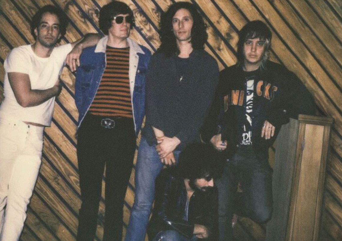 The Strokes – Future Present Past